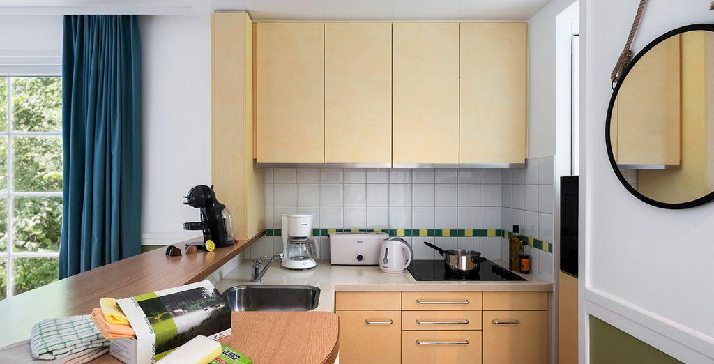 Volledig ingericht met een keuken