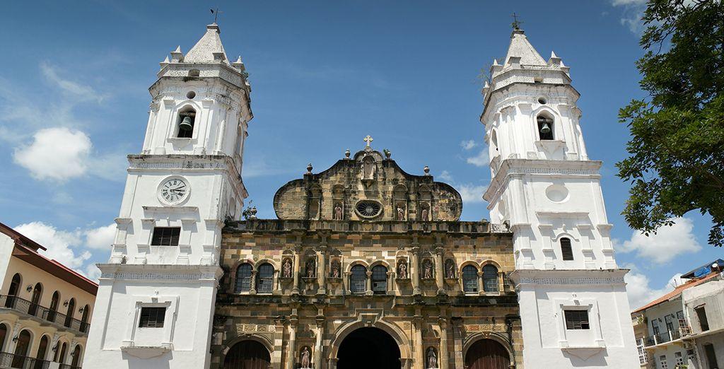 De stad zelf heeft een rijk cultureel en architecturaal erfgoed