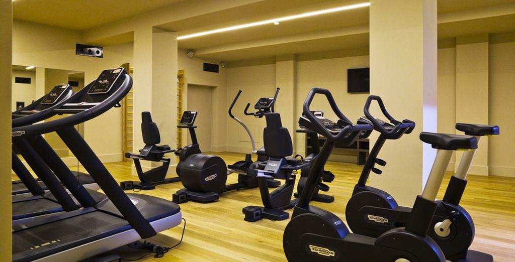 Of u in het zweet te werken in de fitnesszaal