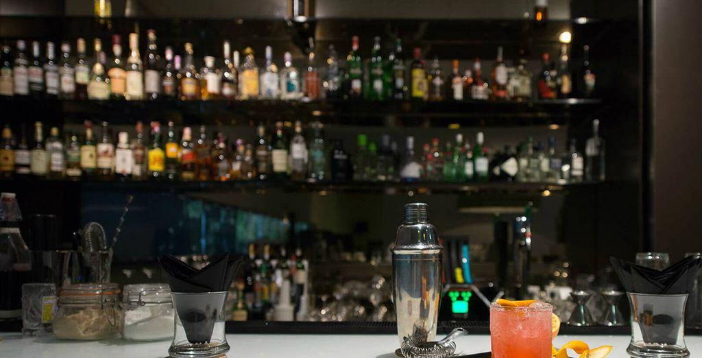 Heerlijk bijkomen onder het genot van een drankje in de bar!