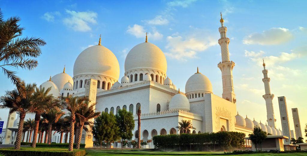 Ontdek de oude moskeeën van Abu Dhabi