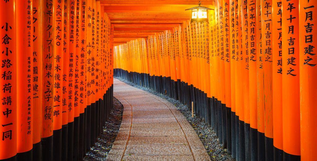 Het het Fushimi Inari-taisha schrijn is zeker een bezoekje waard