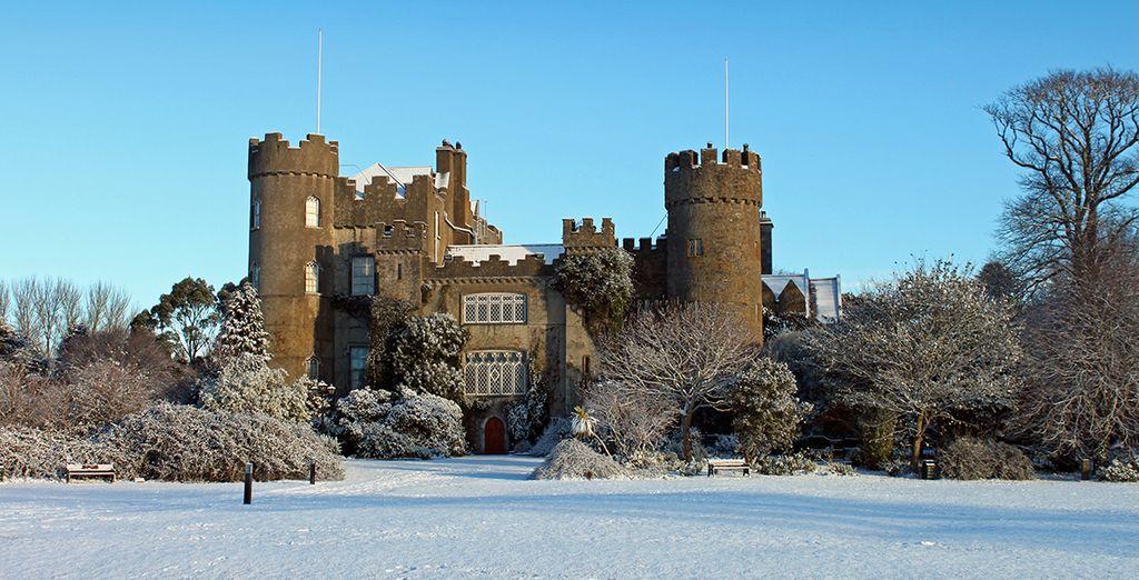 Bezoek de iconische bezienswaardigheden zoals het Malahide Castle