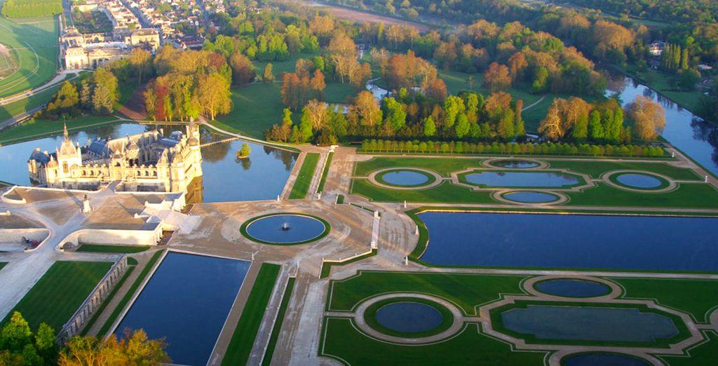 Ontdek het indrukwekkende Chantilly met zijn immense Franse tuinen