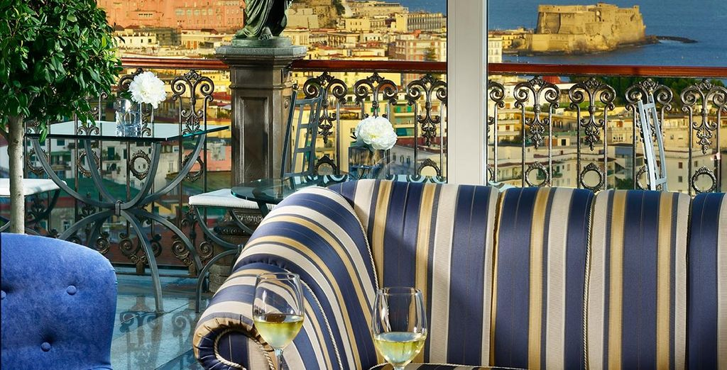 Neem een goede Italiaanse wijn in de Bidder's bar...