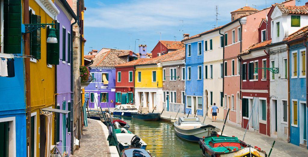 Bezoek ook Burano, het kleurrijke eiland in Venetië