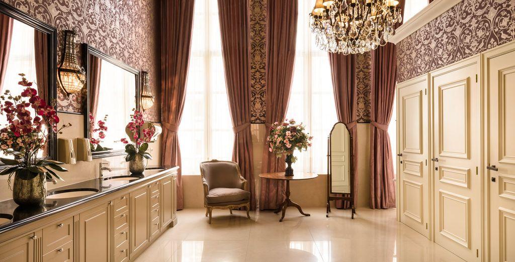 Een prachtig hotel met een weelderig decor