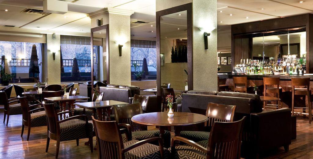 Ontspan in de Pavillon Lounge Bar
