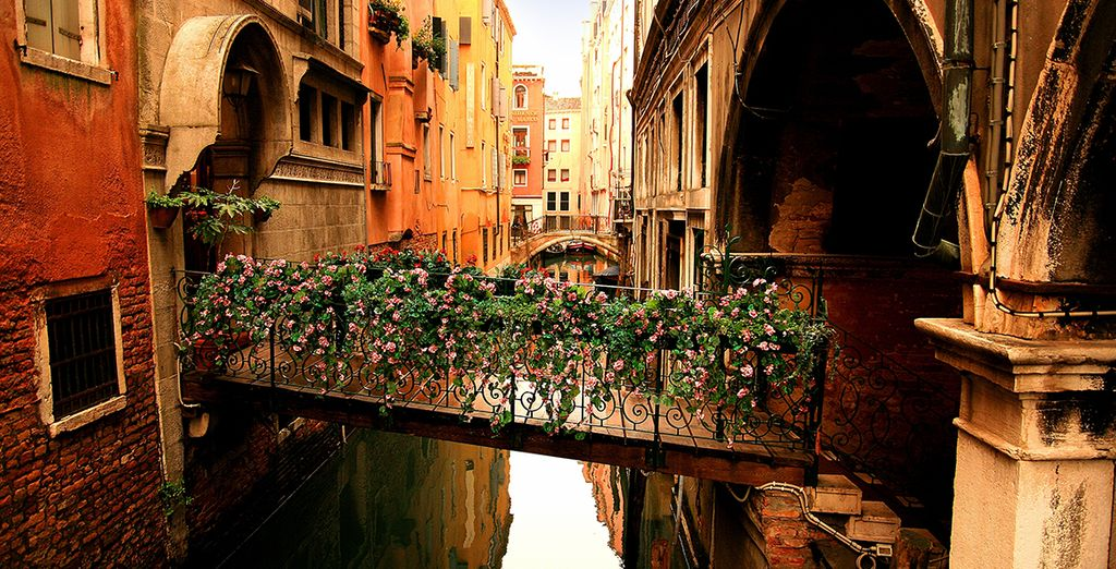 But above all stroll though this historic city and soak up the magic of the Serenissima!