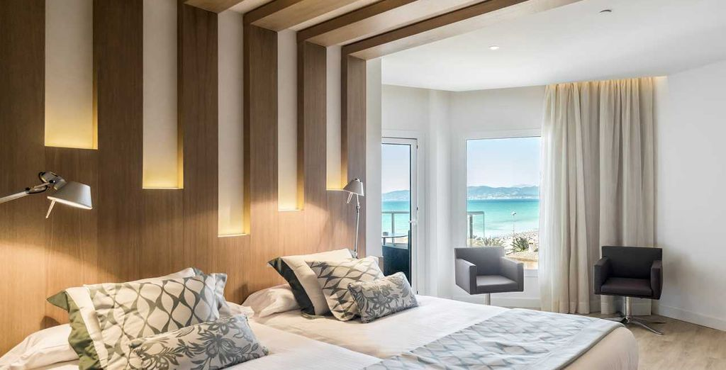 Or the Premium Room with Sea View