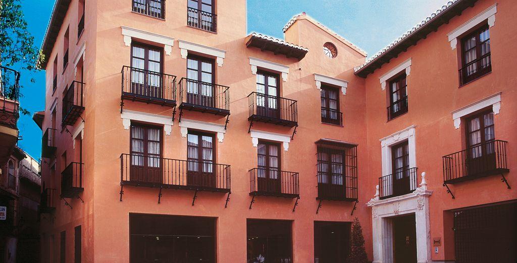 Welcome to the Hotel Hesperia Granada 4 *