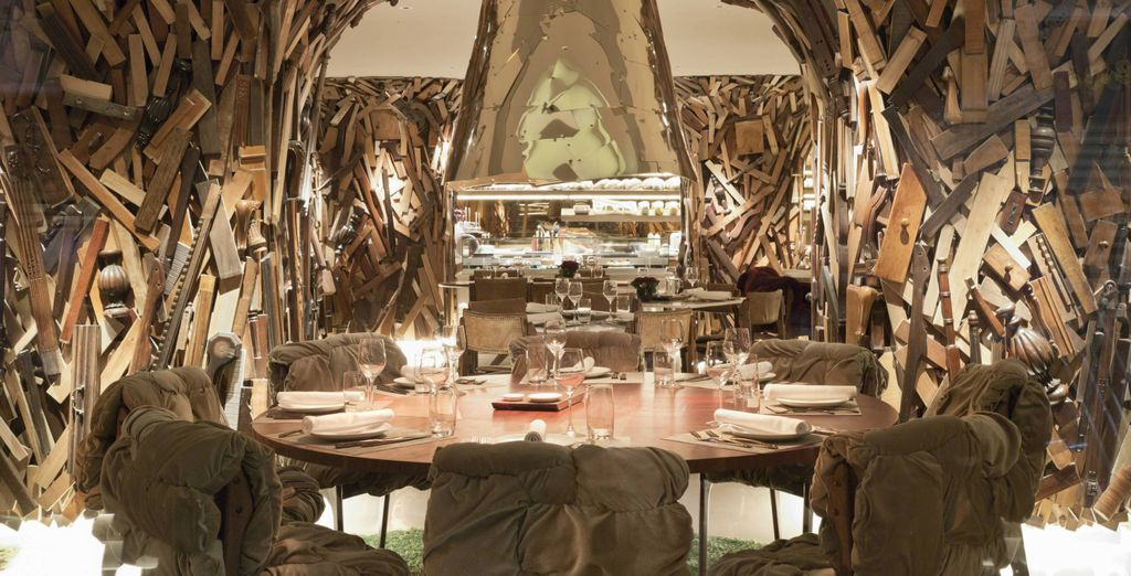 To dine in an unusual setting