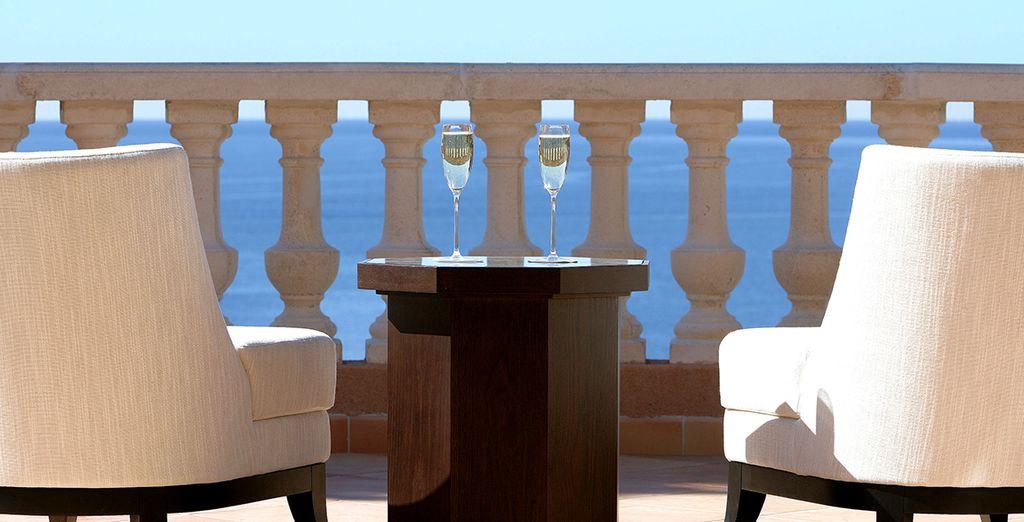 Enjoy simple elegance and striking sea views  - Tiara Yaktsa Côte d'Azur 5* Cannes
