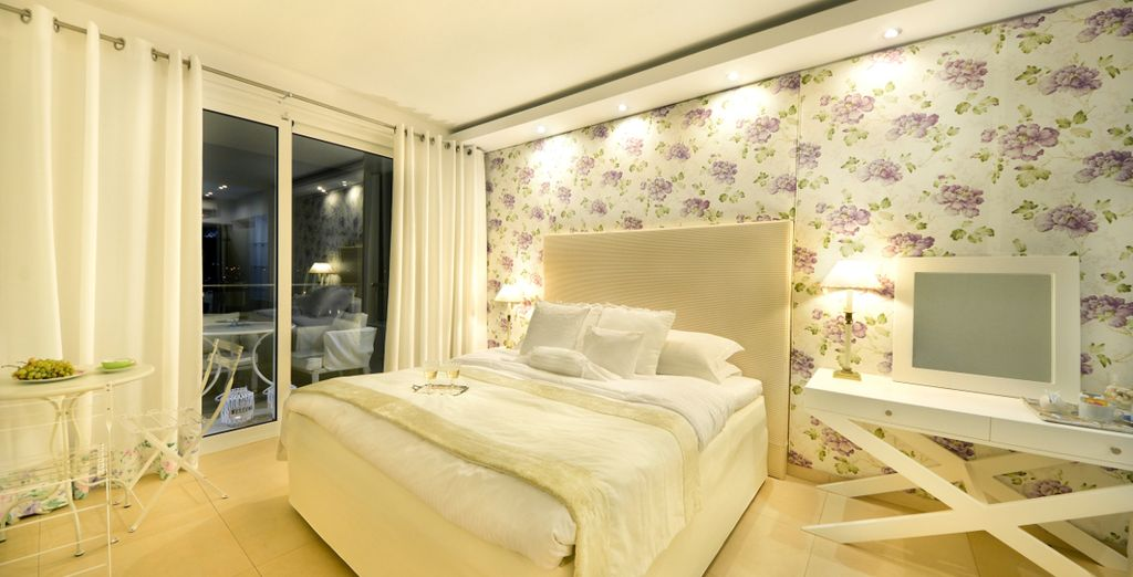 Sleep in a Superior Sea View Room