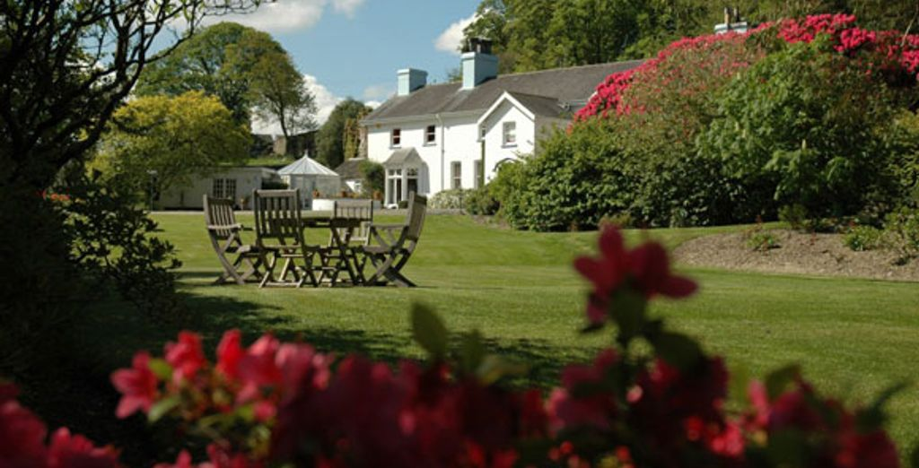 - Relais & Chateaux Ynyshir Hall - Powys - Wales Powys