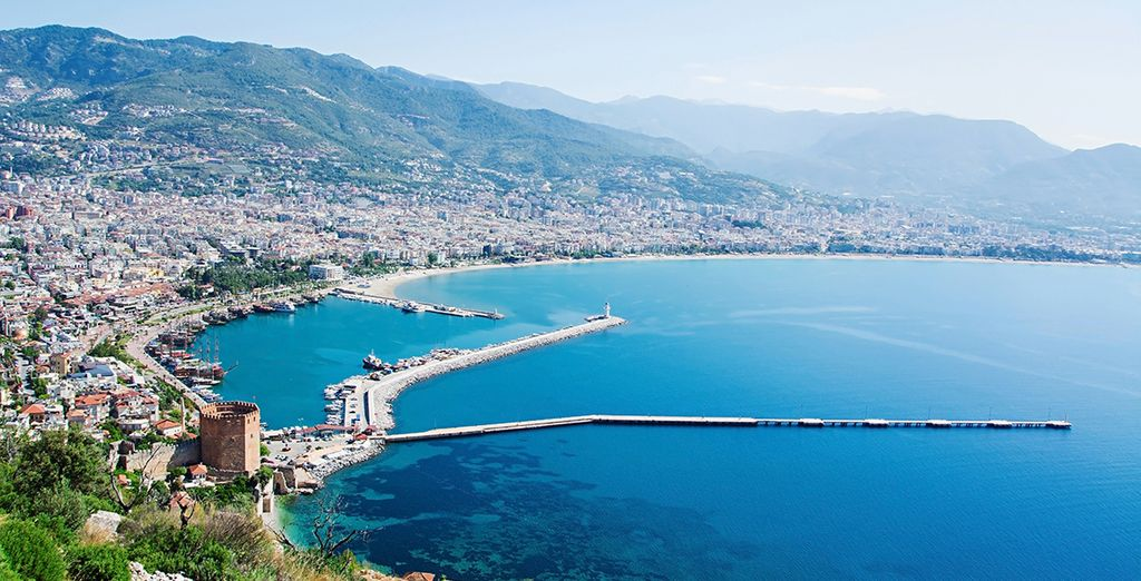 Escape to Antalya ands its luxurious hotels with Voyage Privé