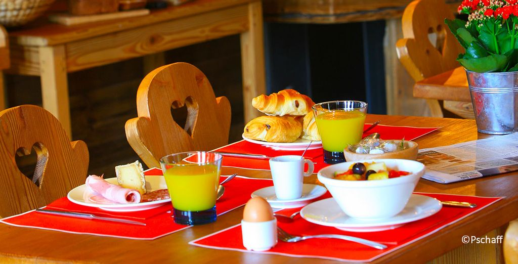 Enjoy a great breakfast to start your day at your best
