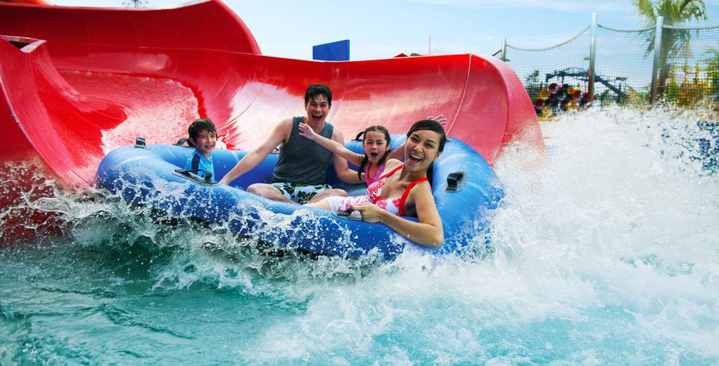 Choose between 4 thrilling theme parks