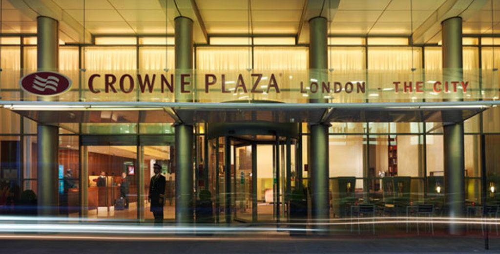- Crowne Plaza**** - London - England London