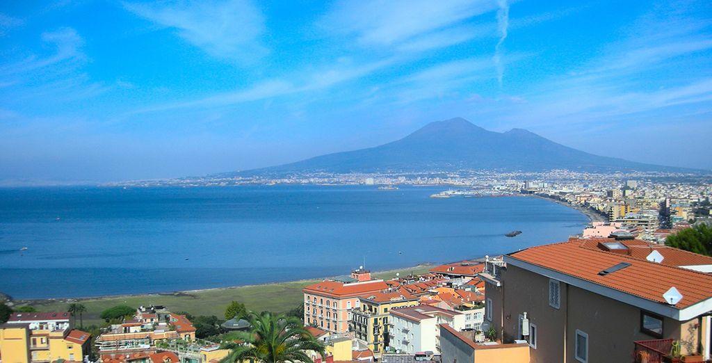 The beautiful Bay of Naples beckons... - Hotel UNA Napoli 4* Naples