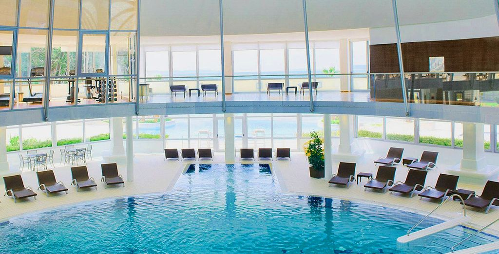 For those looking for that ultimate relaxing break, the spa offers a range of treatments & pools