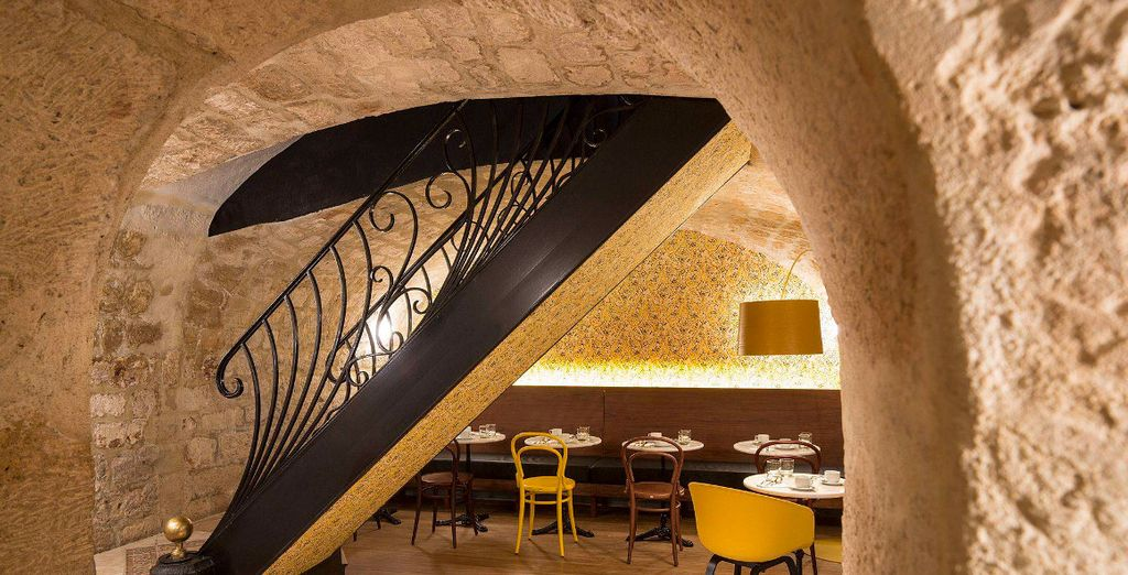 Make your way into the cave-like breakfast room