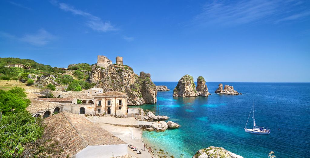 Holidays in Sicily : explore the beaches and natural reserve