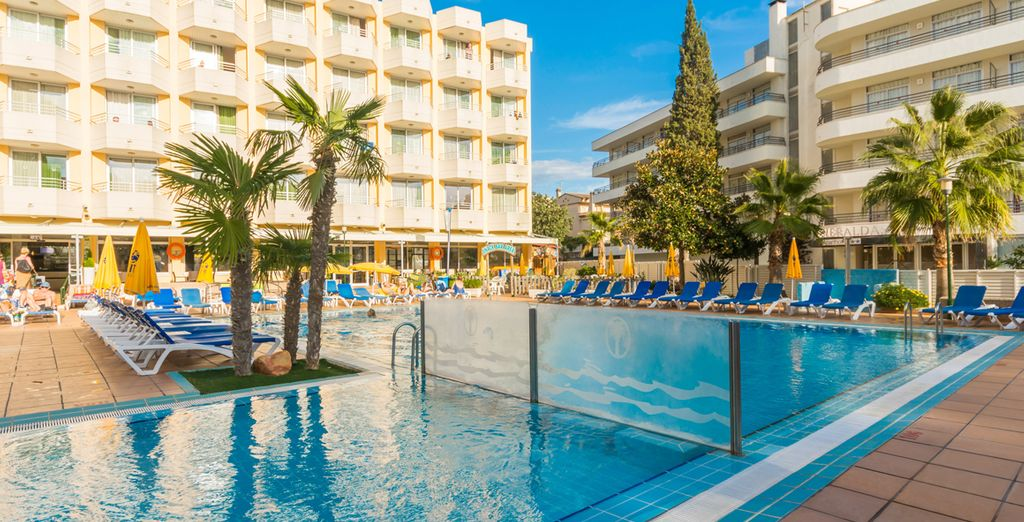 Welcome to the 4-star GHT Oasis Tossa & Spa - Oasis Tossa & Spa 4* Tossa de Mar