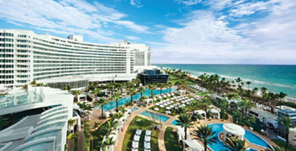 - Fontainebleau Miami Beach***** - Miami , Florida, USA Miami