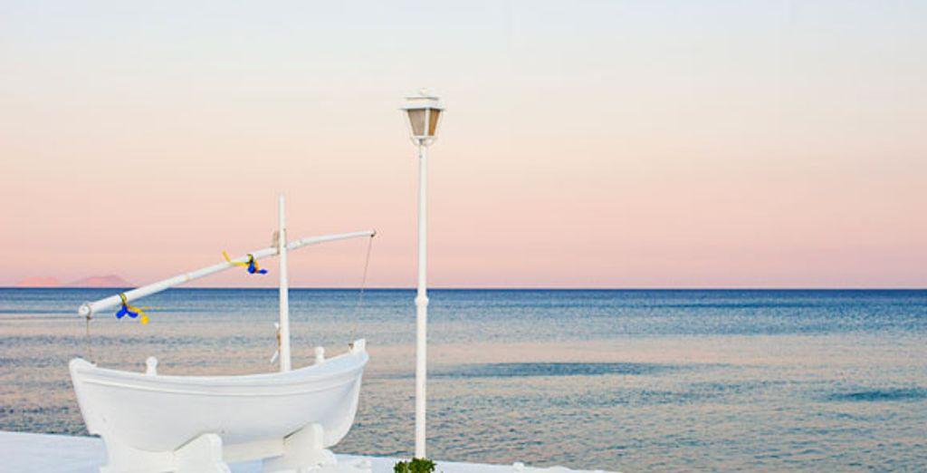 - Aphrodite Beach Hotel**** - Mykonos - Greece Mykonos