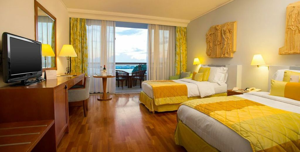 With wonderfully bright rooms - Hotel Le Meridien Limassol*****- Limassol - Cyprus Limassol