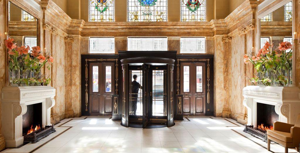 A majestic English stay awaits you - Café Royal 5* London