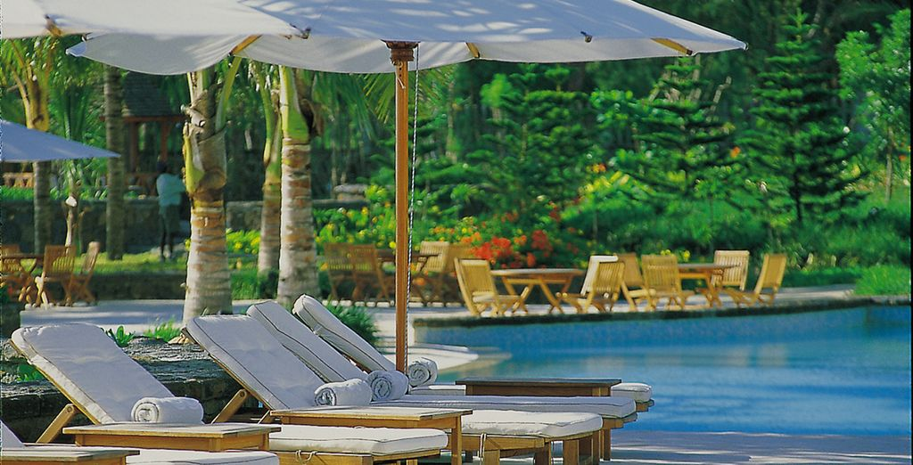 Including the large outdoor pool, where you can sup on cocktails and get lost in a good book