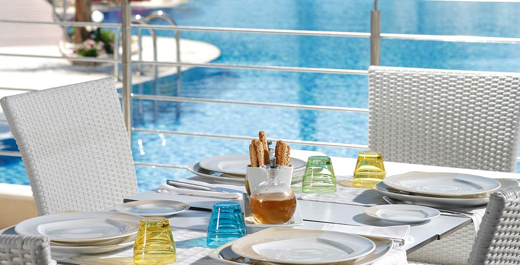 Enjoy lunch by the poolside