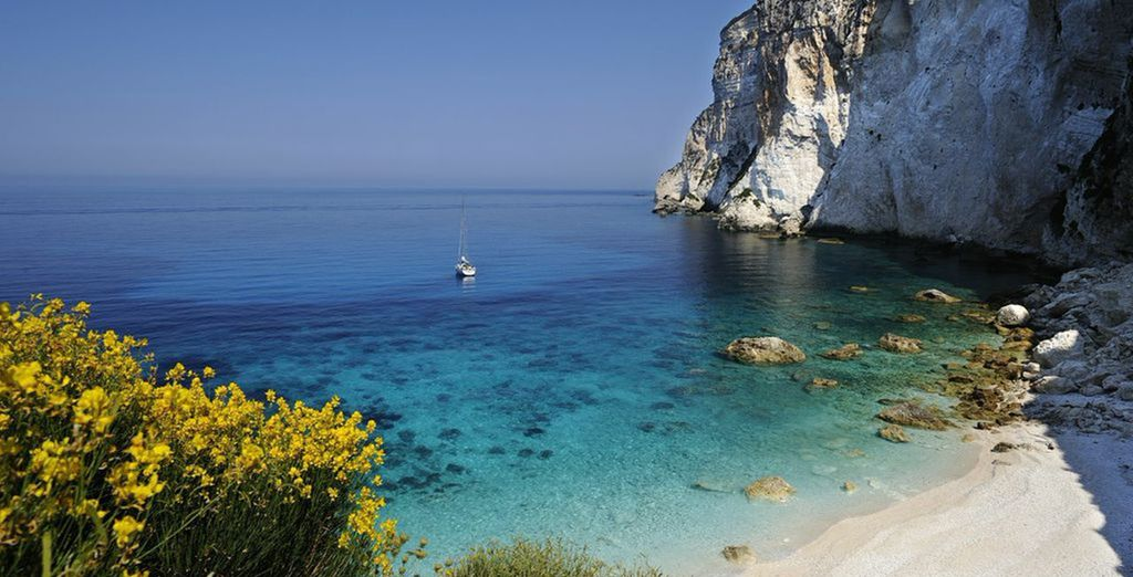 Discover the beautiful Paxos in Greece - Paxos Club Hotel 4* Paxos