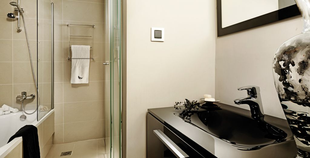 Complete with a sleek and stylish ensuite bathroom