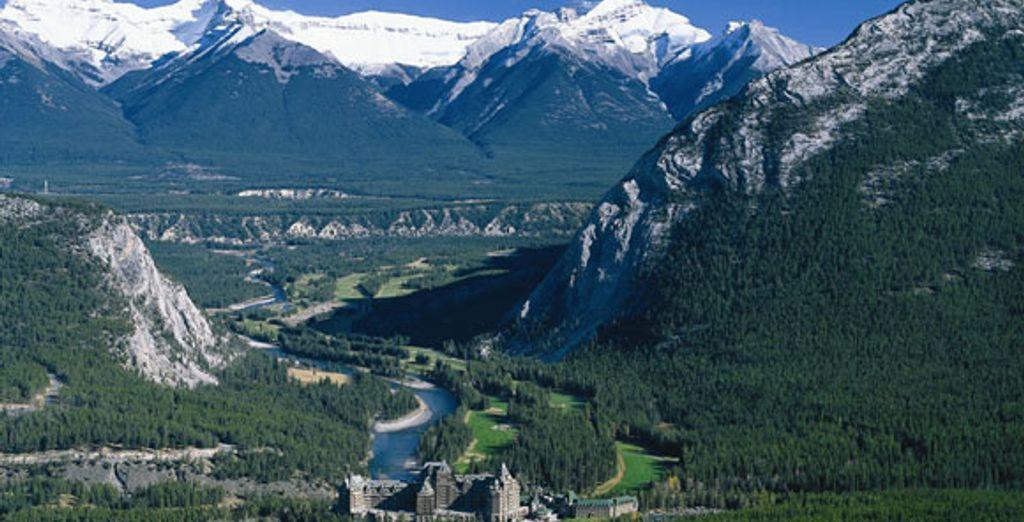 - Rocky Mountaineer - Canadian Rockies - Canada Various