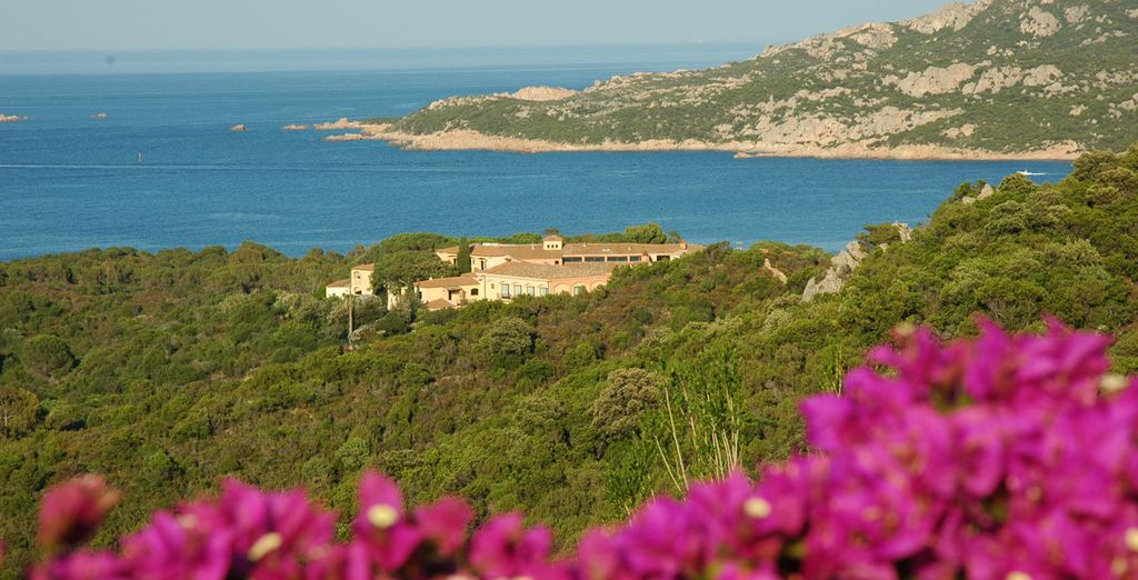 Located near the coast amongst the lush countryside - Hotel Le Ginestre 4* Sardinia