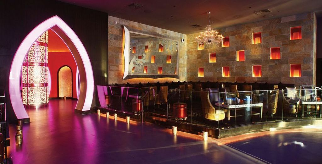 Head to the bar or nightclub to end your evening on a high!