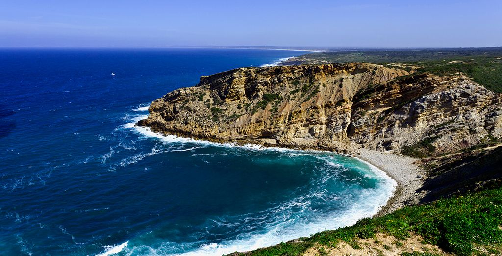 You are in the perfect position to head out & explore the stunning coastline