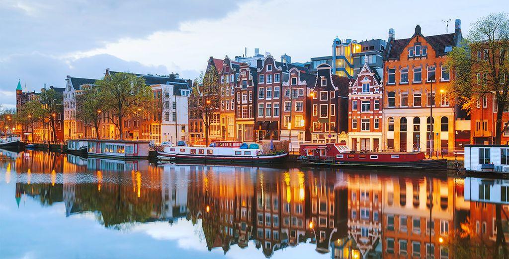 To explore this cosmopolitan city!
