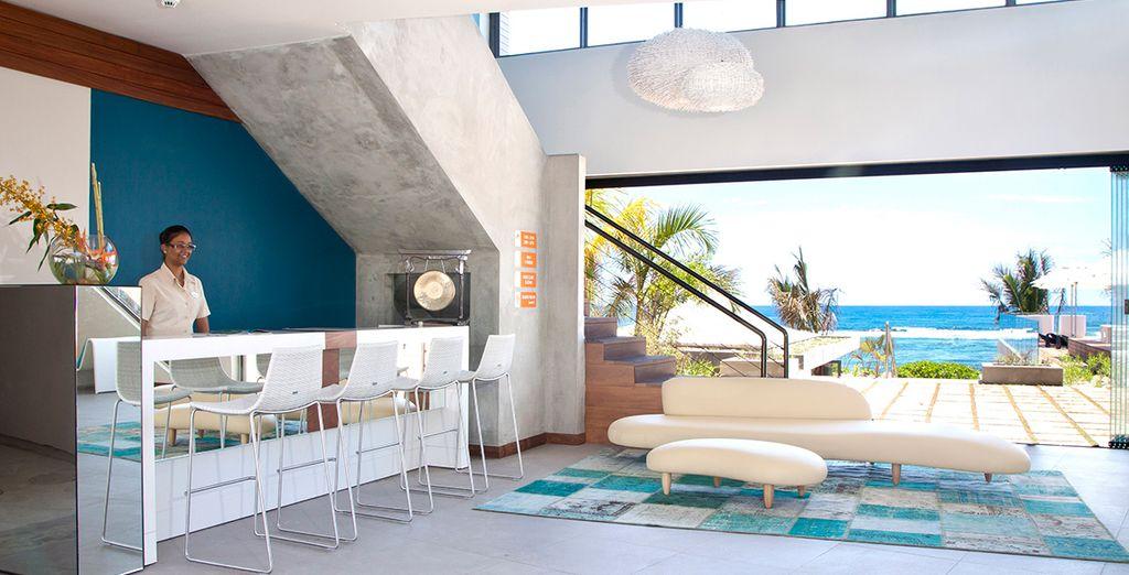Clean decor as soon as you walk in
