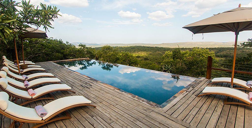 Whilst staying at the luxurious Rhino Ridge Safari Lodge
