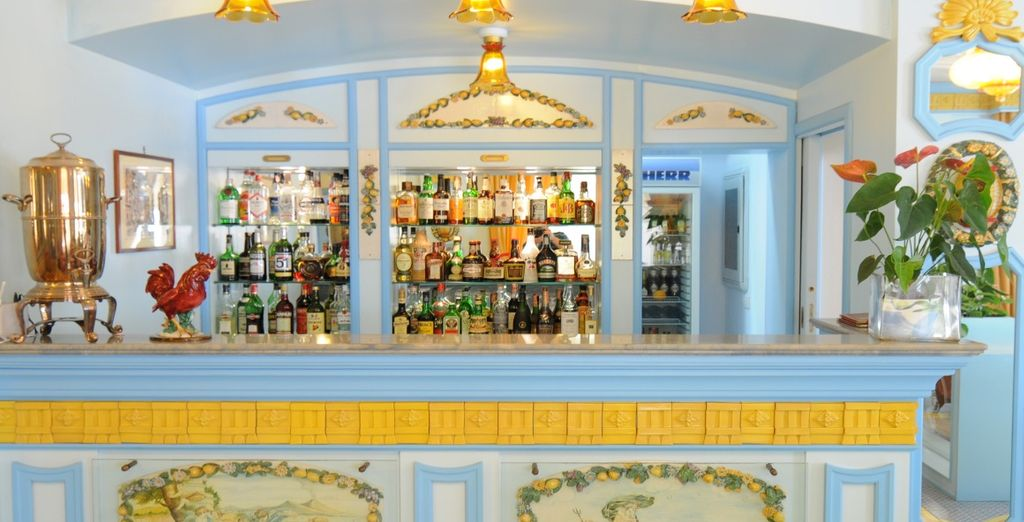 On your return from sightseeing, enjoy an aperitif at the bar