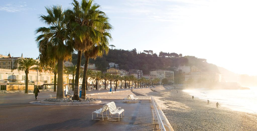 Take a romantic walk along the Promenade des Anglais in Nice