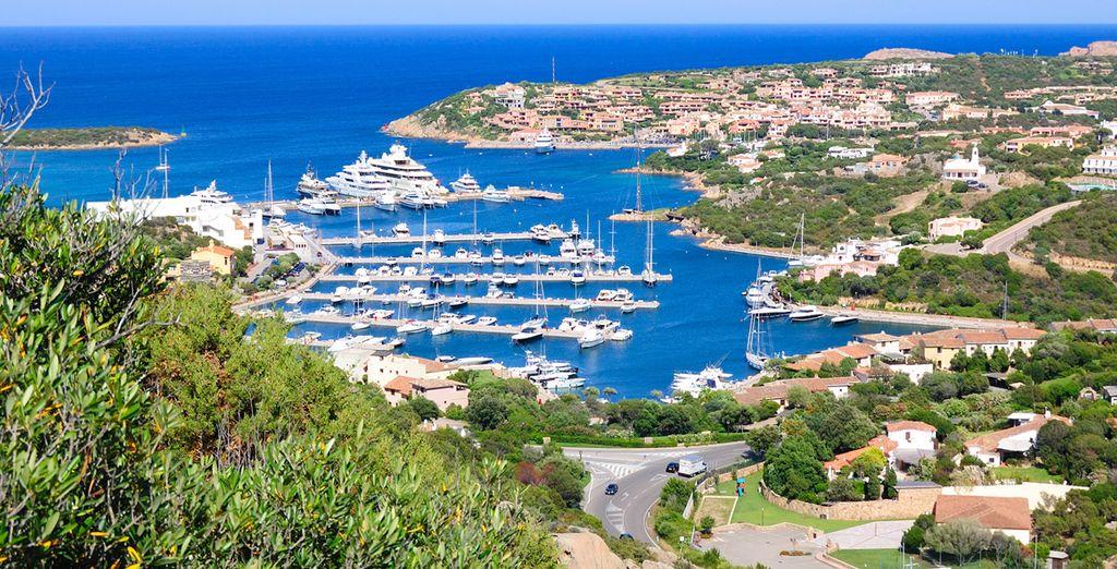 Located close to the marina of Porto Cervo
