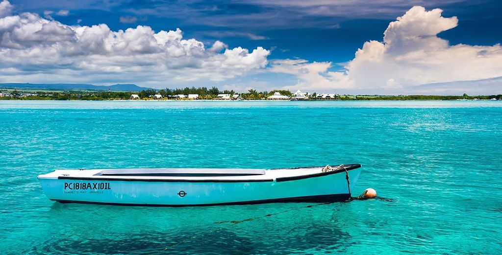 Admire the turqoise waters...