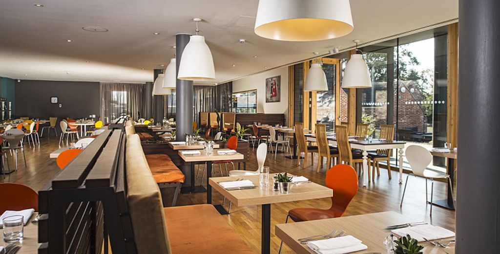 End your day with dinner in the superb restaurant