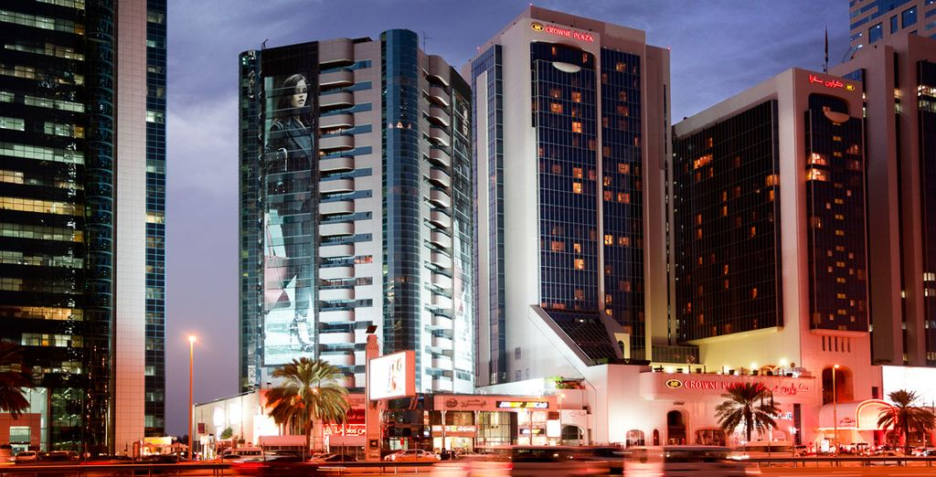 Escape Britian and... - Crowne Plaza Dubai 5* Dubai