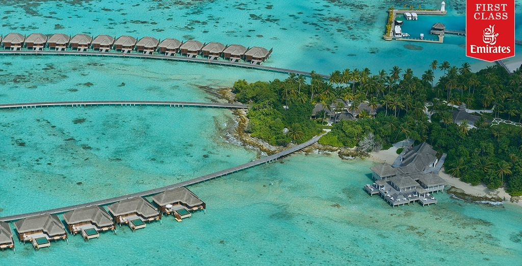 Discover pristine reefs and turquoise blue seas - Ayada Maldives 5* Male